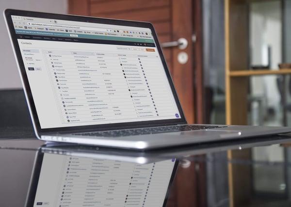Laptop-CRM